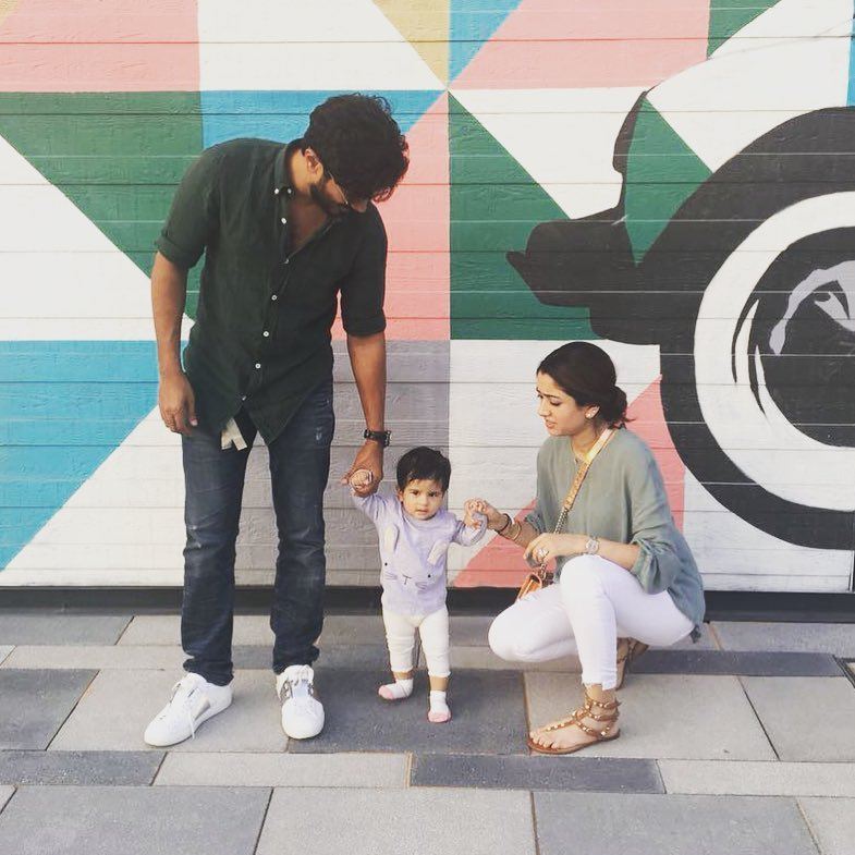 Dulquer salmaan with his wife and daughter maryam